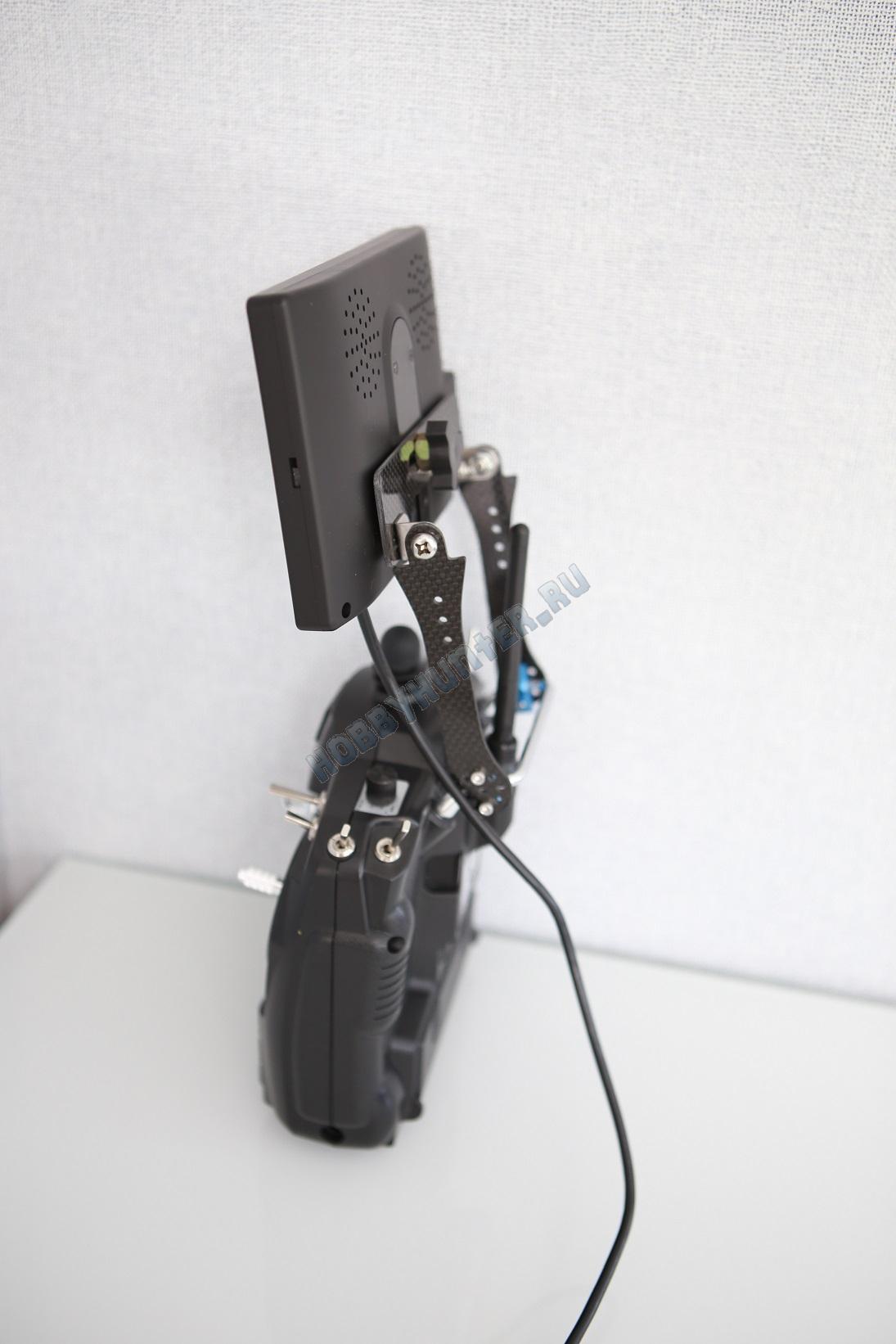 Карбоновый держатель монитора